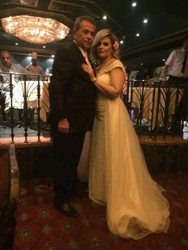 شاهد حياة الدرديرى تطل بالأبيض في حفل زفافها على توفيق عكاشة